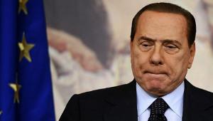 Agora é Berlusconi que se vaidemitir…