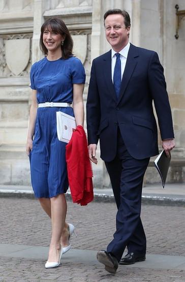 2015-05-10-10-O-primeiro-ministro-britanico-David-Cameron-com-a-mulher-Samantha