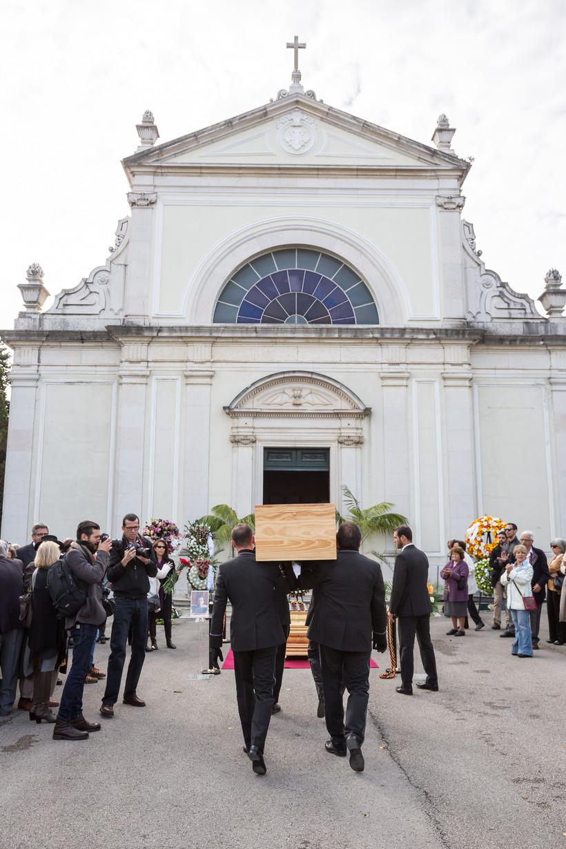 2015-11-04-ALF_Funeral-Fonseca-e-Costa_031115_0033
