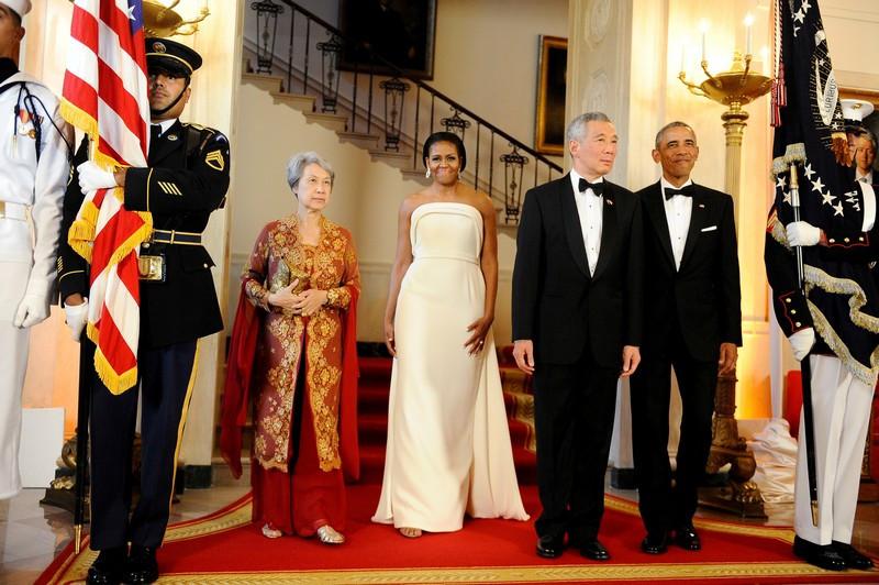 2016-08-03-11-Barack-e-Michelle-Obama-recebem-o-primeiro-ministro-de-Singapura-Lee-Hsien-Loong-e-a-sua-mulher